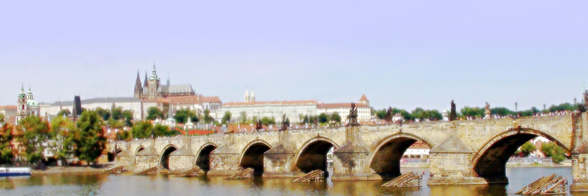 Charles bridge CZE